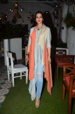 Sonali Bendre at Fun Food launch on 16th Dec 2015 (16)_56726b34443ff.JPG