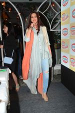Sonali Bendre at Fun Food launch on 16th Dec 2015 (29)_56726b3edab32.JPG