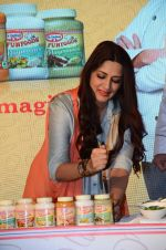Sonali Bendre at Fun Food launch on 16th Dec 2015 (43)_56726b4eaea4f.JPG