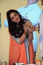 Sonali Bendre at Fun Food launch on 16th Dec 2015 (49)_56726b55193e7.JPG