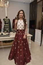 Krystle D_Souza at Payal Singhal and Moksh Jewellery preview on 17th Dec 2015 (29)_56739cd7a8a8a.JPG