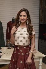 Krystle D_Souza at Payal Singhal and Moksh Jewellery preview on 17th Dec 2015 (31)_56739cd8e244b.JPG