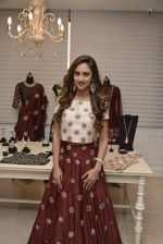 Krystle D_Souza at Payal Singhal and Moksh Jewellery preview on 17th Dec 2015 (32)_56739cd983b9d.JPG