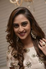 Krystle D_Souza at Payal Singhal and Moksh Jewellery preview on 17th Dec 2015 (39)_56739cdd4ef1d.JPG