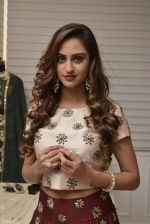 Krystle D_Souza at Payal Singhal and Moksh Jewellery preview on 17th Dec 2015 (43)_56739ce043fbe.JPG