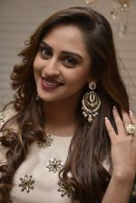 Krystle D_Souza at Payal Singhal and Moksh Jewellery preview on 17th Dec 2015 (38)_56739d2a10fba.JPG
