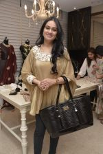 Padmini Kolhapure at Payal Singhal and Moksh Jewellery preview on 17th Dec 2015 (55)_56739d0a4e711.JPG