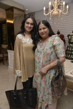 Padmini Kolhapure at Payal Singhal and Moksh Jewellery preview on 17th Dec 2015 (56)_56739d0b6df97.JPG