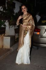 Rekha at Bajirao Mastani screening in Sunny Super Sound on 17th Dec 2015 (115)_5673a5e26928d.JPG