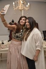 Shibani Dandekar at Payal Singhal and Moksh Jewellery preview on 17th Dec 2015 (51)_56739d2ad50bf.JPG