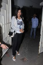 Shreya Ghoshal at Bajirao Mastani screening in Sunny Super Sound on 17th Dec 2015 (32)_5673a08ee08db.JPG