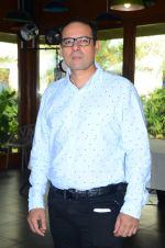 Atul Agnihotri at Joe Rajan_s christmas bash on 20th Dec 2015 (5)_5677e077cb14e.JPG