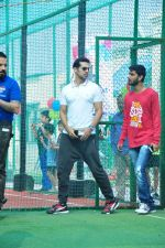 Dino Morea at a sports activitiy in Versova on 20th Dec 2015 (3)_5677de9163e9c.JPG