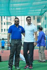 Dino Morea at a sports activitiy in Versova on 20th Dec 2015 (5)_5677de93df037.JPG