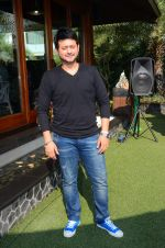 Swapnil Joshi at Joe Rajan_s christmas bash on 20th Dec 2015 (52)_5677e05550fd3.JPG