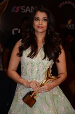 Aishwarya Rai Bachchan at the red carpet of Stardust awards on 21st Dec 2015 (1333)_567941a10998c.JPG