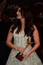 Aishwarya Rai Bachchan at the red carpet of Stardust awards on 21st Dec 2015 (1337)_567941a48d515.JPG