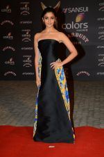 Alia BHatt at the red carpet of Stardust awards on 21st Dec 2015