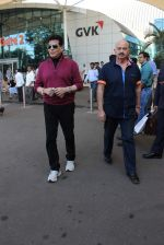 Jeetendra, Rakesh Roshan snapped at airport on 21st Dec 2015