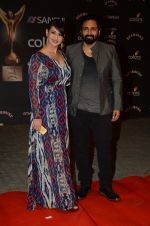 Preeti Jhangiani, Pravin Dabas at the red carpet of Stardust awards on 21st Dec 2015 (846)_56793e906a13a.JPG