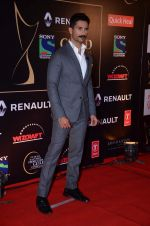 Shahid Kapoor at Producer_s Guild Awards on 22nd Dec 2015 (379)_567a784ee61cc.JPG