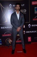 Shahid Kapoor at Producer_s Guild Awards on 22nd Dec 2015 (381)_567a78507b0ae.JPG