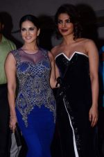Sunny Leone, Priyanka Chopra at Producer_s Guild Awards on 22nd Dec 2015 (63)_567a78fdb1856.JPG