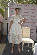 Sonam Kapoor launches Filmfare glamfare issue on 23rd Dec 2015 (3)_567ba5a3951e8.JPG