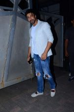 Aashish Chaudhary at Jackky Bhagnani_s bday bash on 24th Dec 2015 (28)_567cf9f379c22.JPG