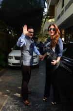 Kareena Kapoor, Saif Ali Khan at sashi kapoor_s xmas brunch on 25th Dec 2015 (31)_567e797dd3e4d.JPG