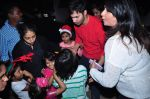 Varun Dhawan at orphanage on 25th Dec 2015 (6)_567e793ba6481.JPG