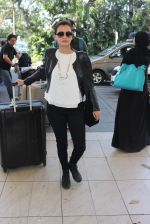 Dia Mirza snapped at airport on 26th Dec 2015 (7)_567fdba3e848d.JPG