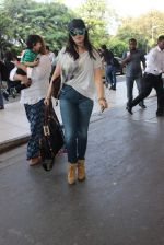 Ayesha Takia snapped at Airport on 28th Dec 2015 (19)_56822f15322cb.JPG