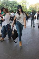 Ayesha Takia snapped at Airport on 28th Dec 2015 (20)_56822f15e1e77.JPG