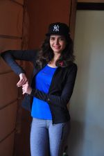 Karishma Tanna at country club shoot on 28th Dec 2015 (7)_5682303154be5.JPG
