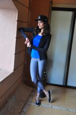 Karishma Tanna at country club shoot on 28th Dec 2015 (9)_568230339771d.JPG