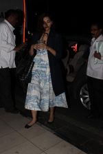 Sonam Kapoor snapped at Airport on 28th Dec 2015
