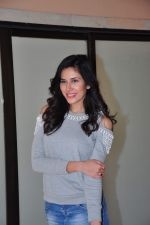 Sonnalli Seygall at country club shoot on 28th Dec 2015 (42)_56823067dc99f.JPG