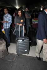 Konkona Sen Sharma at domestic ariport on 29th Dec 2015 (11)_56838cbdd803c.JPG