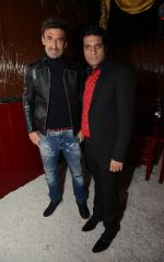 Rahul Dev & Nitin Chopra at the Anniversary of  Cinema Bar & Lounch in GK-2, New delhi on 29th Dec 2015 (2)_568388628057a.jpg