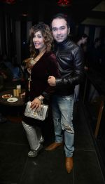 Vandana Vadera with friend at the Anniversary of  Cinema Bar & Lounch in GK-2, New delhi on 29th Dec 2015_568388ac42151.jpg