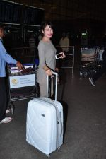 Yuvika Choudhary at international airport on 29th Dec 2015 (8)_56838d10eefcc.JPG