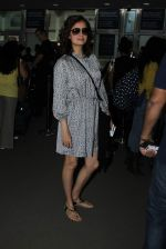 Dia Mirza snapped at airport on 31st Dec 2015 (21)_56869a023469c.JPG