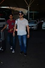 Sooraj Pancholi snapped at airport on 31st Dec 2015 (10)_56869a370d2ba.JPG