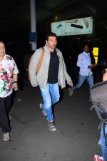 Sunny Deol snapped at airport on 31st Dec 2015