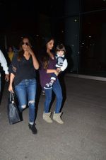 Gauri Khan snapped at airport on 2nd Jan 2016 (66)_5688ff099bba9.JPG