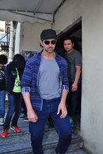 Hrithik Roshan snapped with kids at pvr on 2nd Jan 2016