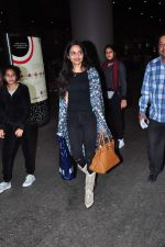 Madhoo Shah snapped at airport on 2nd Jan 2016