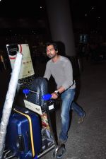 Nikhil Dwivedi snapped at airport on 2nd Jan 2016