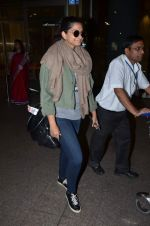 Rhea Kapoor snapped at airport on 2nd Jan 2016 (14)_5688ff2528e8b.JPG